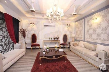 ڈی ایچ اے فیز 6 ڈیفنس (ڈی ایچ اے) لاہور میں 6 کمروں کا 2 کنال مکان 3.25 لاکھ میں کرایہ پر دستیاب ہے۔
