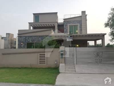 ڈیفینس رایا ڈی ایچ اے ڈیفینس لاہور میں 5 کمروں کا 1 کنال مکان 2.1 لاکھ میں کرایہ پر دستیاب ہے۔