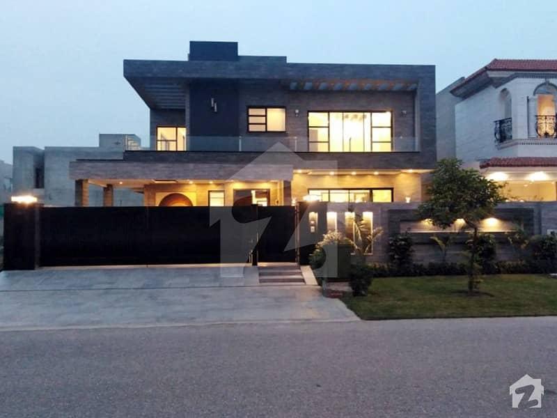 ڈی ایچ اے فیز 6 - بلاک جے فیز 6 ڈیفنس (ڈی ایچ اے) لاہور میں 5 کمروں کا 1 کنال مکان 6.5 کروڑ میں برائے فروخت۔