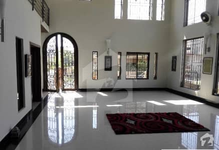 E-11 House For Rent  5 Bad Room