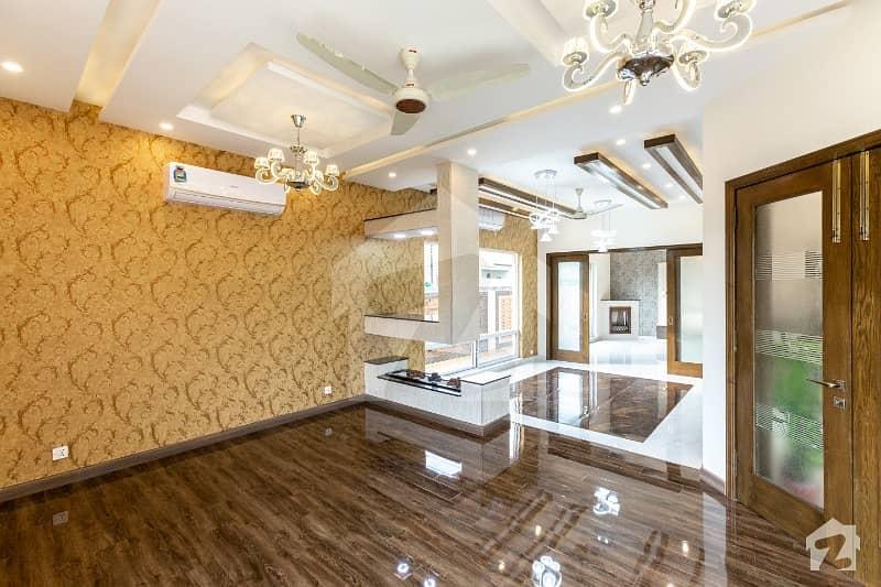 1 Kanal Luxury Brand New Owner Built House