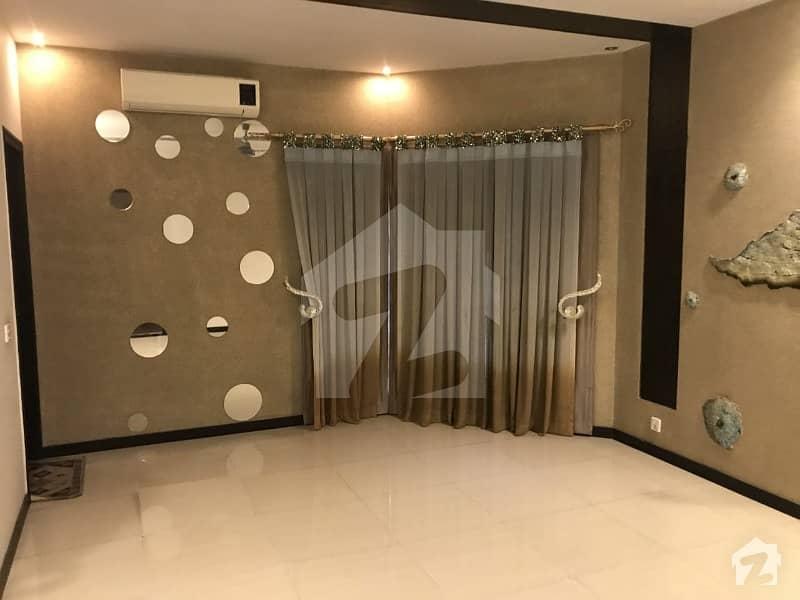 ڈی ایچ اے فیز 5 - بلاک ڈی فیز 5 ڈیفنس (ڈی ایچ اے) لاہور میں 5 کمروں کا 1 کنال مکان 1.9 لاکھ میں کرایہ پر دستیاب ہے۔