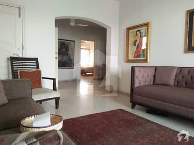 CLIFTON BLOCK 5 NEAR 2 TALWAAR SHARIN CORT APARTMENT 2 BED FLAT FOR SALE