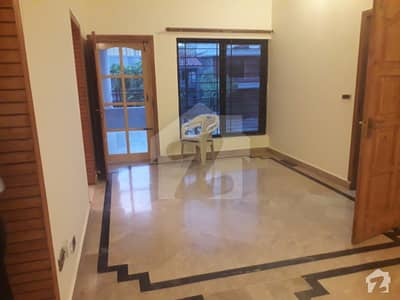 F11 SIZE500 MARBLE FLOORING UPPER PORTION 3BEDS RENT 80000