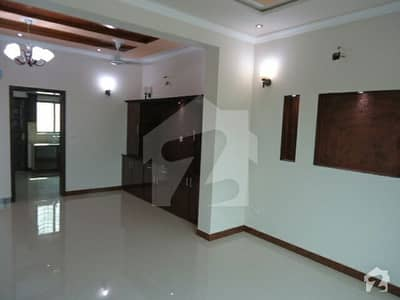 Single Bedroom Flat Available For Rent Bahria Town Lahore