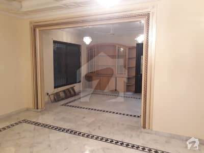 ایف ۔ 11/3 ایف ۔ 11 اسلام آباد میں 3 کمروں کا 1 کنال بالائی پورشن 1 لاکھ میں کرایہ پر دستیاب ہے۔