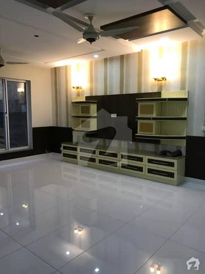 ای ۔ 11/3 ای ۔ 11 اسلام آباد میں 8 کمروں کا 1 کنال مکان 7.5 کروڑ میں برائے فروخت۔