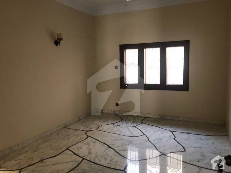 Beautiful 600 Sq Yards House For Rent