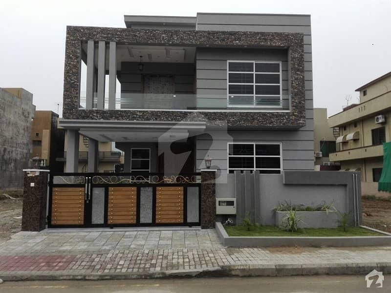 بحریہ ٹاؤن فیز 3 بحریہ ٹاؤن راولپنڈی راولپنڈی میں 5 کمروں کا 10 مرلہ مکان 2.5 کروڑ میں برائے فروخت۔