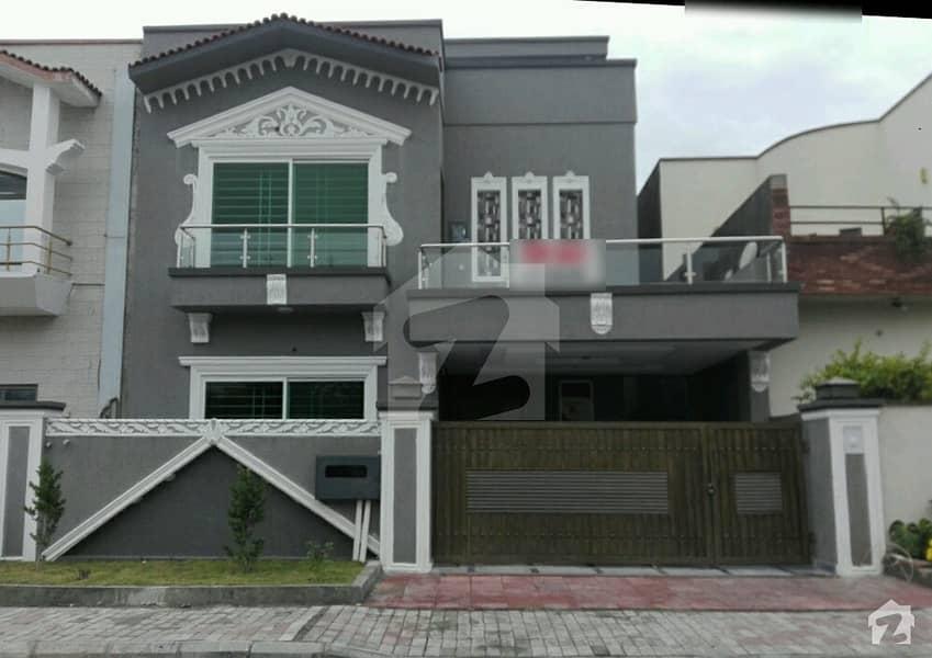 بحریہ ٹاؤن فیز 3 بحریہ ٹاؤن راولپنڈی راولپنڈی میں 5 کمروں کا 10 مرلہ مکان 2.6 کروڑ میں برائے فروخت۔