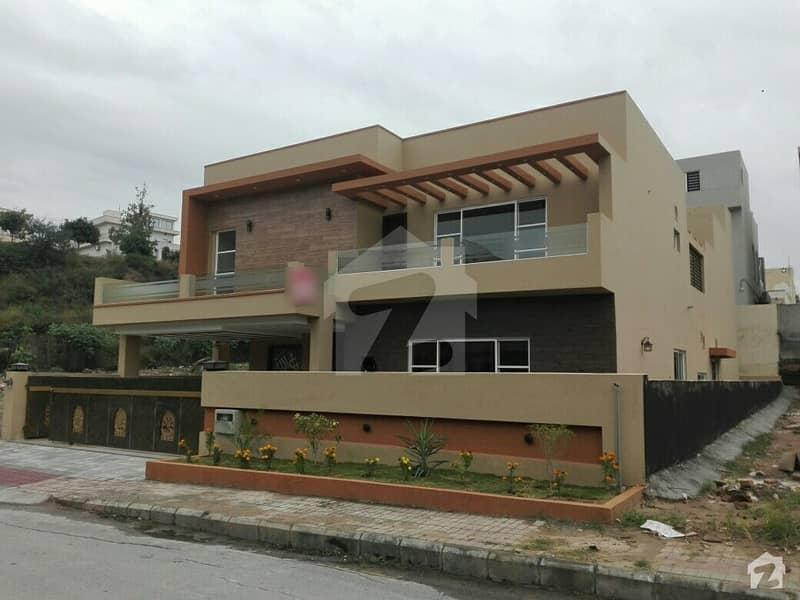 بحریہ ٹاؤن فیز 3 بحریہ ٹاؤن راولپنڈی راولپنڈی میں 5 کمروں کا 1 کنال مکان 4.65 کروڑ میں برائے فروخت۔