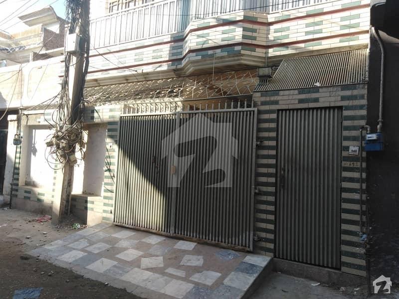 حیات آباد فیز 1 - ڈی4 حیات آباد فیز 1 حیات آباد پشاور میں 5 مرلہ مکان 1.7 کروڑ میں برائے فروخت۔