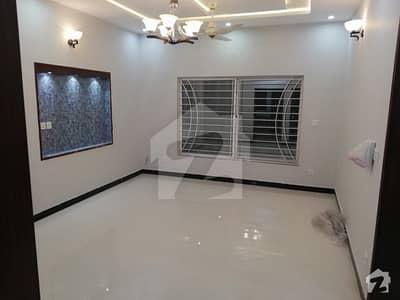 ڈی ایچ اے فیز 2 - سیکٹر سی ڈی ایچ اے ڈیفینس فیز 2 ڈی ایچ اے ڈیفینس اسلام آباد میں 5 کمروں کا 10 مرلہ مکان 85 ہزار میں کرایہ پر دستیاب ہے۔