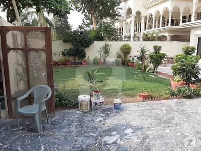 باتھ آئی لینڈ کراچی میں 4 کمروں کا 1.2 کنال مکان 4.5 لاکھ میں کرایہ پر دستیاب ہے۔
