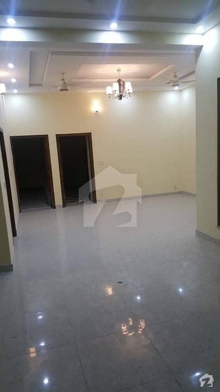 ماڈل ٹاؤن ۔ بلاک ایم ماڈل ٹاؤن لاہور میں 4 کمروں کا 10 مرلہ مکان 90 ہزار میں کرایہ پر دستیاب ہے۔