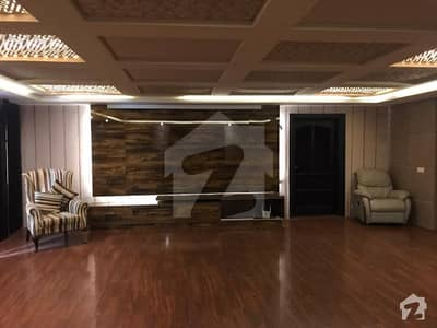 ڈی ایچ اے فیز 6 ڈیفنس (ڈی ایچ اے) لاہور میں 6 کمروں کا 2 کنال مکان 2.7 لاکھ میں کرایہ پر دستیاب ہے۔