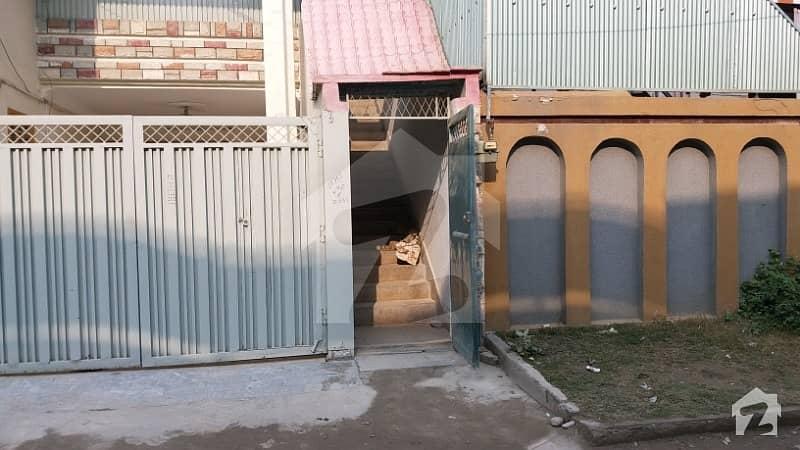 حیات آباد فیز 6 - ایف9 حیات آباد فیز 6 حیات آباد پشاور میں 3 کمروں کا 7 مرلہ بالائی پورشن 20 ہزار میں کرایہ پر دستیاب ہے۔