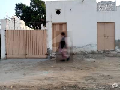 House Is Available For Sale In Essa Colony Rahim Yar Khan