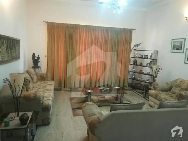 600 Square Yards G-10 Outclassed Location House Available For Sale