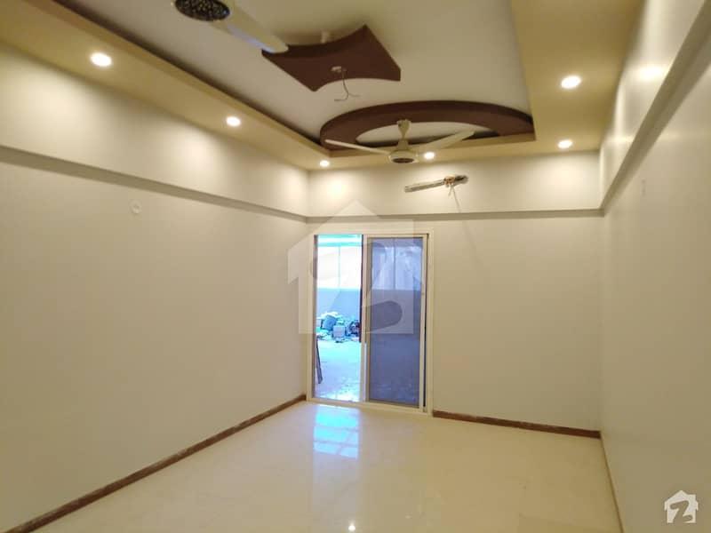 کلفٹن ۔ بلاک 9 کلفٹن کراچی میں 4 کمروں کا 16 مرلہ فلیٹ 1.3 لاکھ میں کرایہ پر دستیاب ہے۔