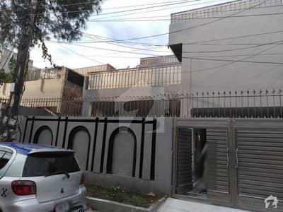 حیات آباد فیز 1 - ای3 حیات آباد فیز 1 حیات آباد پشاور میں 6 کمروں کا 10 مرلہ مکان 2.6 کروڑ میں برائے فروخت۔