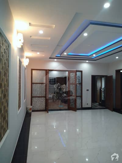 Architects Engineers 10 Marla Beautiful And Modern Brand New 5 Beds Double Unit House Very Low Price