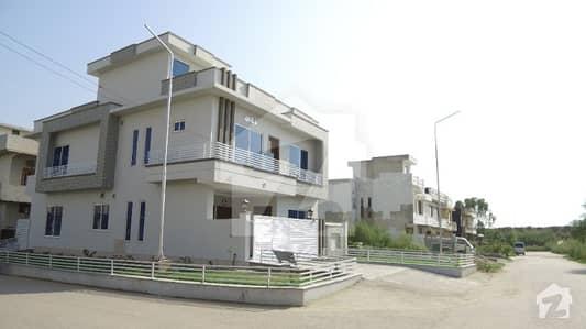 جی ۔ 13 اسلام آباد میں 5 کمروں کا 8 مرلہ مکان 3.25 کروڑ میں برائے فروخت۔