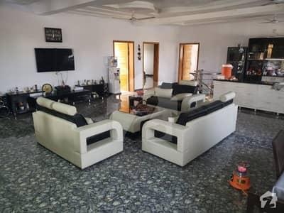 ای ۔ 18 اسلام آباد میں 11 کمروں کا 1.1 کنال مکان 4.15 کروڑ میں برائے فروخت۔