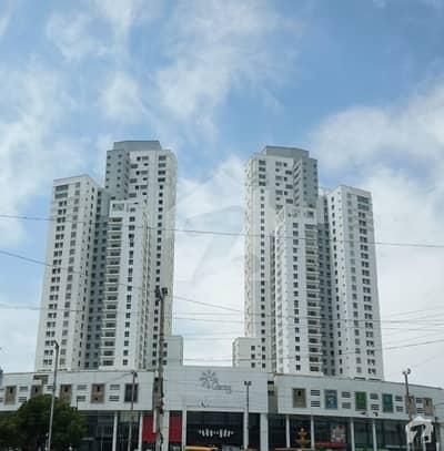 کلفٹن ۔ بلاک 6 کلفٹن کراچی میں 3 کمروں کا 10 مرلہ فلیٹ 4.2 کروڑ میں برائے فروخت۔