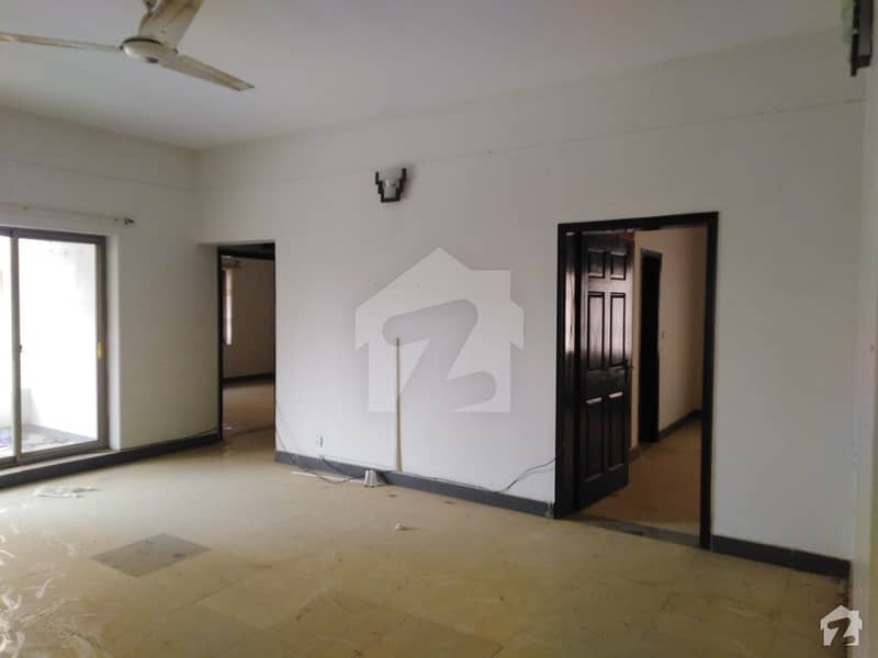 West Open 2nd Floor Flat Is Available For Rent
