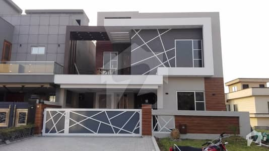 بحریہ گرینز بحریہ ٹاؤن راولپنڈی راولپنڈی میں 4 کمروں کا 11 مرلہ مکان 2.85 کروڑ میں برائے فروخت۔