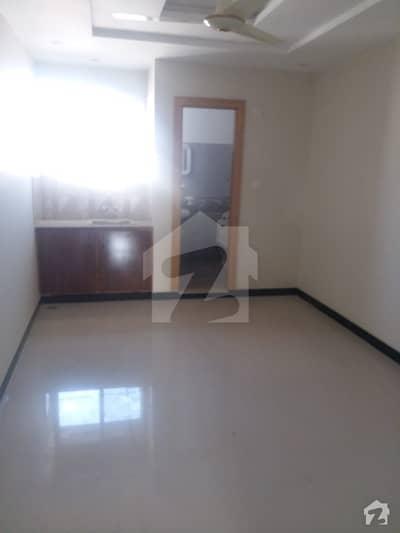 پی ڈبلیو ڈی روڈ اسلام آباد میں 1 کمرے کا 2 مرلہ فلیٹ 19 لاکھ میں برائے فروخت۔