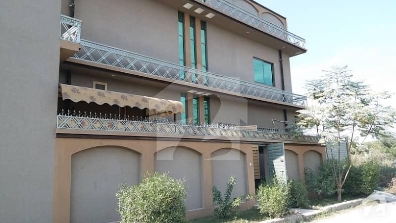 حیات آباد فیز 6 - ایف10 حیات آباد فیز 6 حیات آباد پشاور میں 3 کمروں کا 3 مرلہ بالائی پورشن 17 ہزار میں کرایہ پر دستیاب ہے۔
