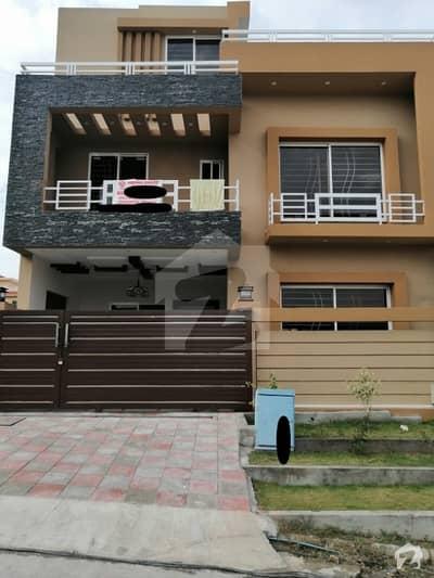 جناح گارڈنز ایف ای سی ایچ ایس اسلام آباد میں 4 کمروں کا 7 مرلہ مکان 1.4 کروڑ میں برائے فروخت۔