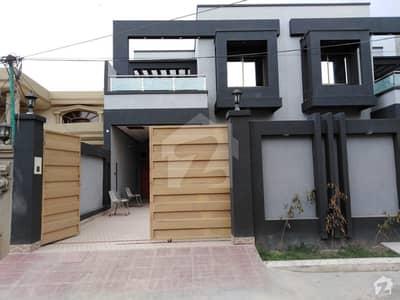 نشیمن کالونی ملتان میں 4 کمروں کا 9 مرلہ مکان 1.4 کروڑ میں برائے فروخت۔