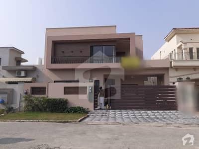 اسٹیٹ لائف ہاؤسنگ سوسائٹی لاہور میں 4 کمروں کا 10 مرلہ مکان 2.3 کروڑ میں برائے فروخت۔