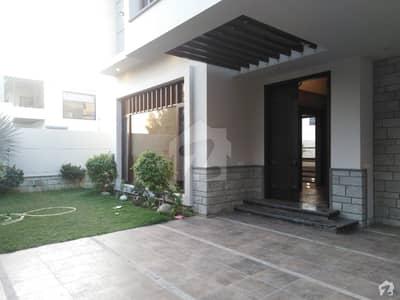 ڈی ایچ اے فیز 6 ڈی ایچ اے کراچی میں 5 کمروں کا 1 کنال مکان 13.5 کروڑ میں برائے فروخت۔