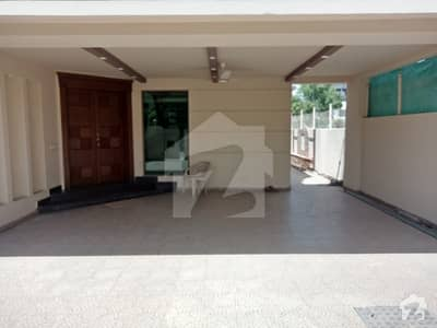 DEFENCE ONE KANAL LOWER PORTION SLIGHTLY USED FOR RENT IN DHA LAHORE