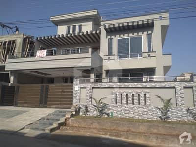 سوان گارڈن ۔ بلاک ایف سوان گارڈن اسلام آباد میں 7 کمروں کا 1 کنال مکان 3 کروڑ میں برائے فروخت۔