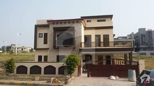 Very Spacious 3 Bed Rooms Ground Portion For Rent in Gulraiz