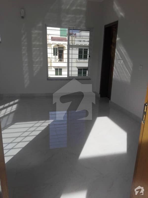 جی ۔ 13/2 جی ۔ 13 اسلام آباد میں 5 کمروں کا 8 مرلہ مکان 2.8 کروڑ میں برائے فروخت۔