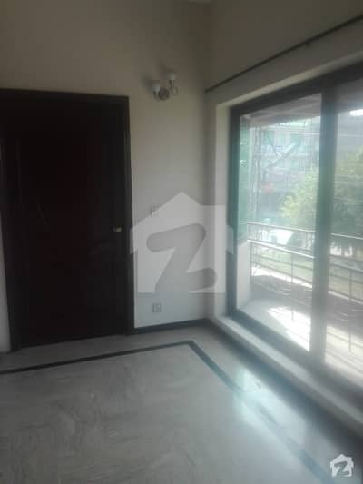 One Kanal Upper Portion With Separate Gate For Rent