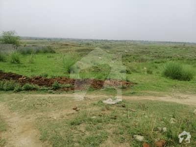 7 ایوینیو اسلام آباد میں 750 کنال زرعی زمین 50 ہزار میں برائے فروخت۔