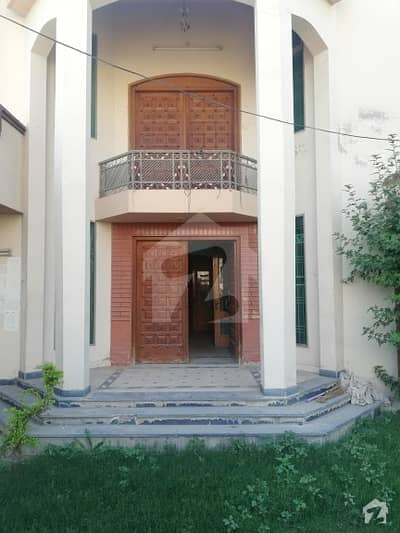 20 Marla 6 Beds House For Rent In  Sahiwal
