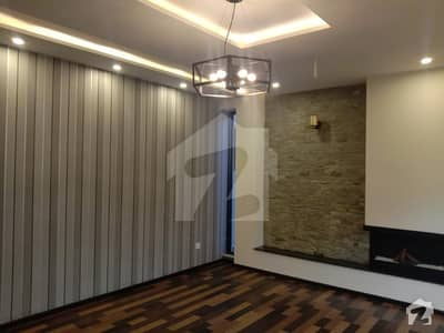 اسٹیٹ لائف ہاؤسنگ سوسائٹی لاہور میں 5 کمروں کا 1 کنال مکان 3.45 کروڑ میں برائے فروخت۔