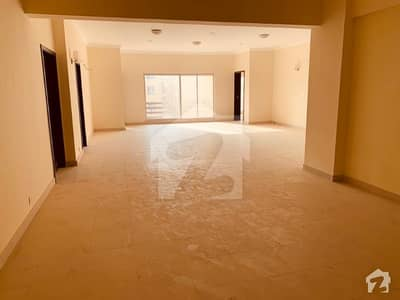 4 Bed Apartment Available For Sale in Bahria Town Karachi
