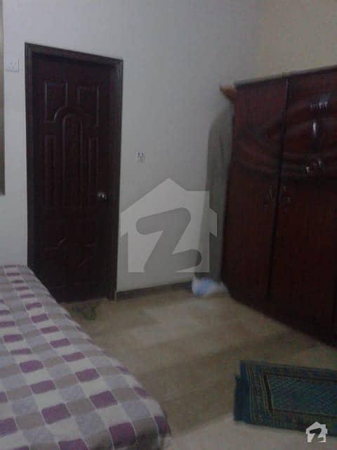 گلشن اقبال - بلاک 13 / D-3 گلشنِ اقبال گلشنِ اقبال ٹاؤن کراچی میں 3 کمروں کا 5 مرلہ بالائی پورشن 90 لاکھ میں برائے فروخت۔