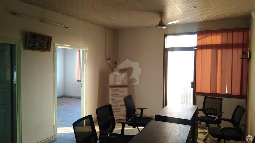 حیات آباد فیز 1 - ڈی2 حیات آباد فیز 1 حیات آباد پشاور میں 5 مرلہ فلیٹ 1.8 کروڑ میں برائے فروخت۔