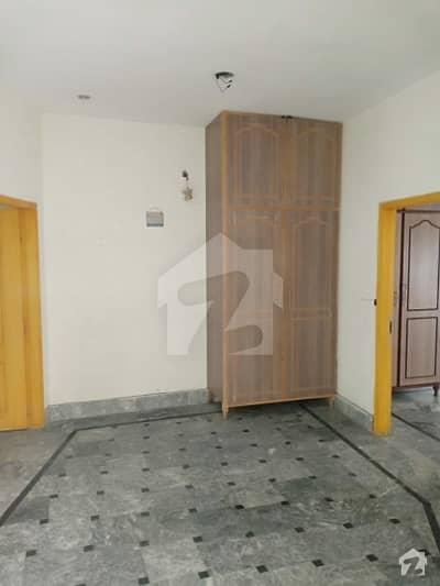 اسٹیٹ لائف ہاؤسنگ سوسائٹی لاہور میں 2 کمروں کا 5 مرلہ بالائی پورشن 25 ہزار میں کرایہ پر دستیاب ہے۔