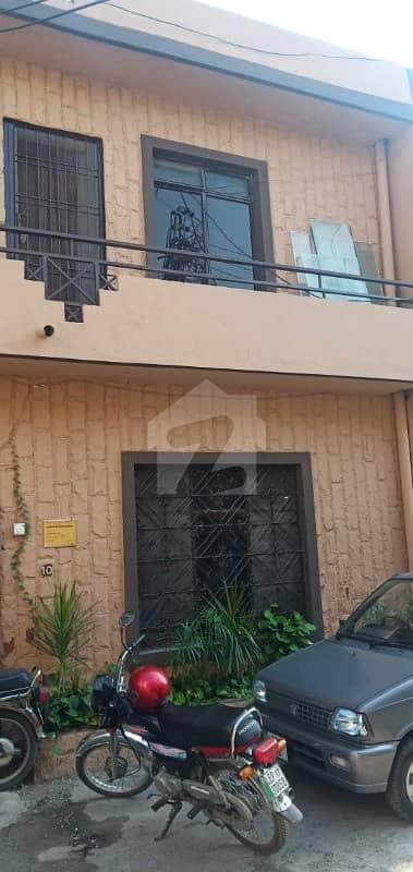 گارڈن ٹاؤن - بابر بلاک گارڈن ٹاؤن لاہور میں 6 کمروں کا 6 مرلہ مکان 1.75 کروڑ میں برائے فروخت۔
